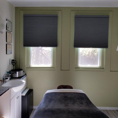Treatment room11.jpg