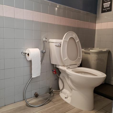 Treatment room9.jpg