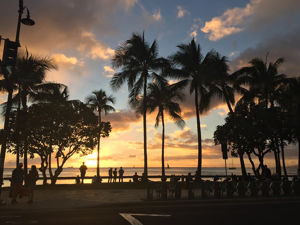 One of the most well-known beaches on the planet, this 2-mile stretch of white sand and calm turquoise blue ocean fringed by towering high-rises and boutique resorts is located on the South Shore of Oahu.