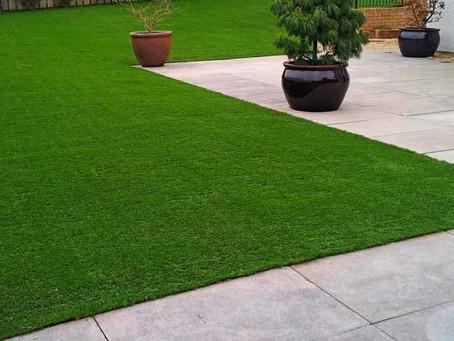 شركة تنظيف الحدائق وتنظيف العشب الصناعي