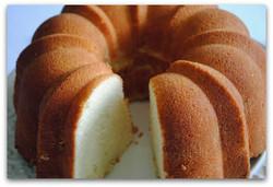 sour cream pound cake.jpg