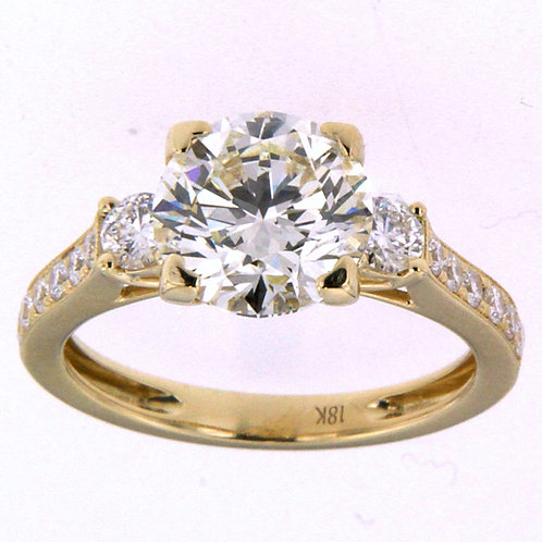 18K Yellow Gold Round Brilliant Cut Ring