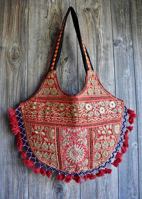 Embroidered Tassel Purse