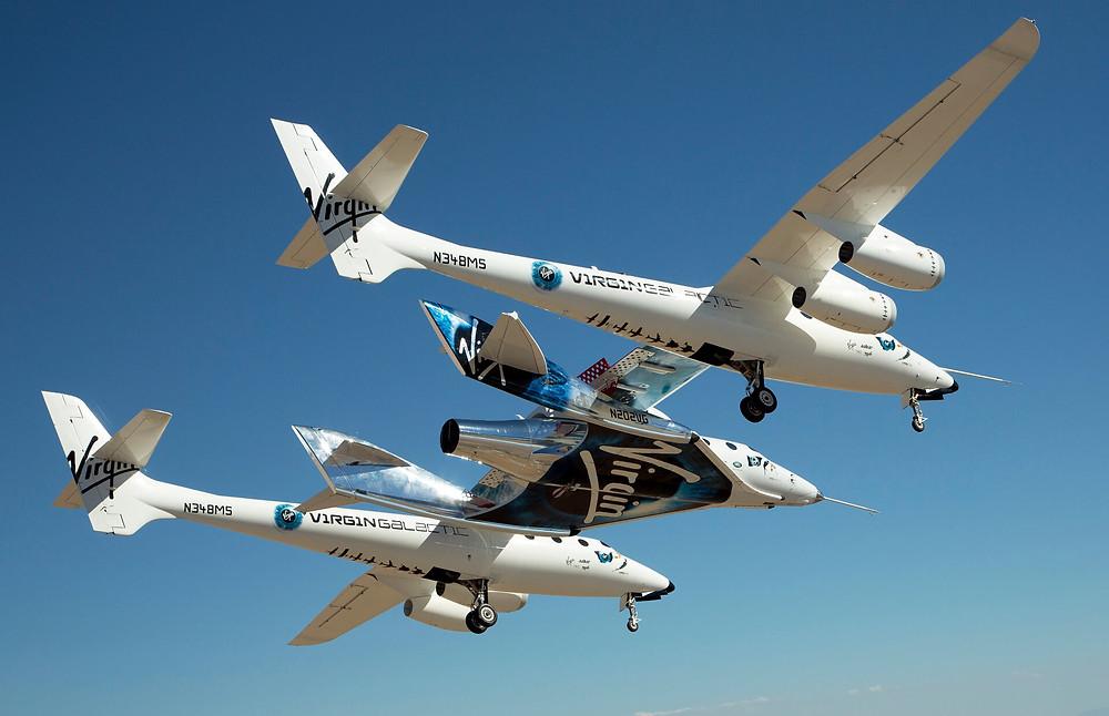 """Das Trägerflugzeug Whiteknight Two transportiert """"Unity"""" auf eine Höhe von 14 km"""