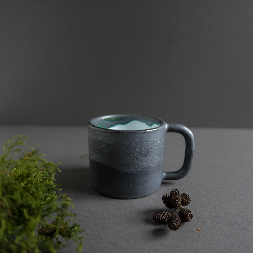 Hand thrown coffee + tea mug 7 oz / 200 ml