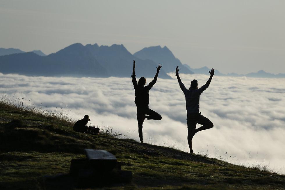 Yoga-in-den-Bergen.jpg