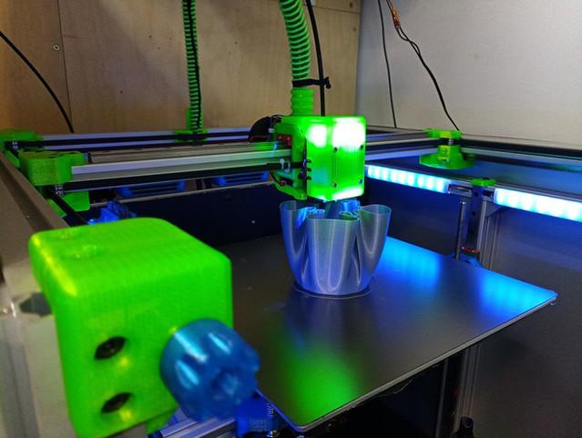blv mgn cube by ben levi - printing 3.jp