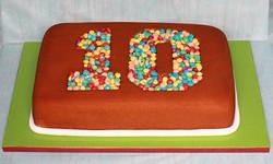 עוגת יום הולדת 10