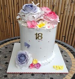עוגת זילוף פרחונית
