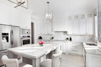 kithen renovation - luxury white kicthen with glass cabinets in toronto