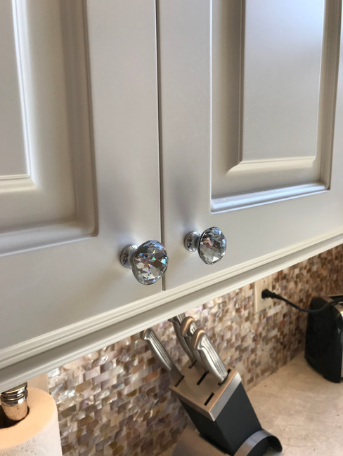 Lacquered custom kitchen cabinets in Toronto