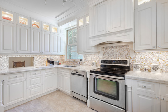 Custom kitchen cabinets in Forest Hill