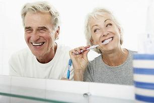 12065-voce-colocou-implante-dentario-faz