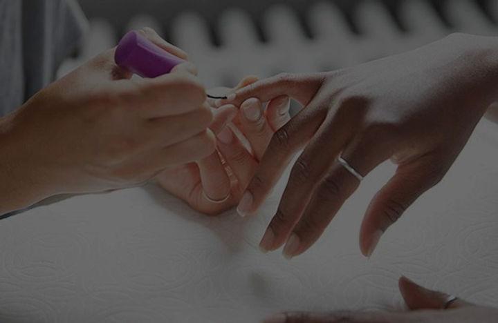 00_woman_getting_a_french_manicure_jpg-600x390_edited_edited.jpg