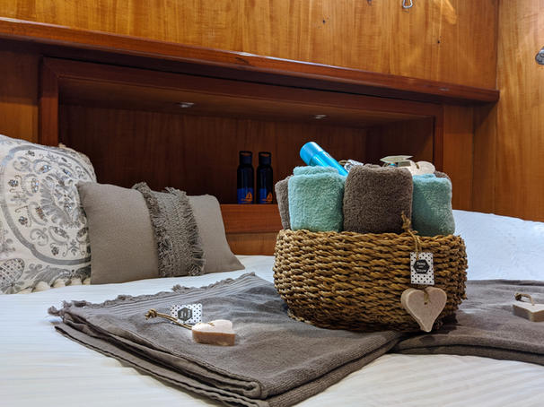 Welcome basket in a Sailing Chef cabin
