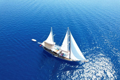Experience ultimate freedom onboard Sailing Chef
