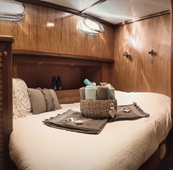 Mariya Russell - Double Bed cabin - Romantic