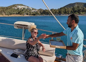 Sailing Chef Hospitality - Wine served on lounge deck.jpg