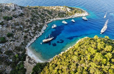 Sailing Chef in gorgeous East Mediterranean bay.JPG