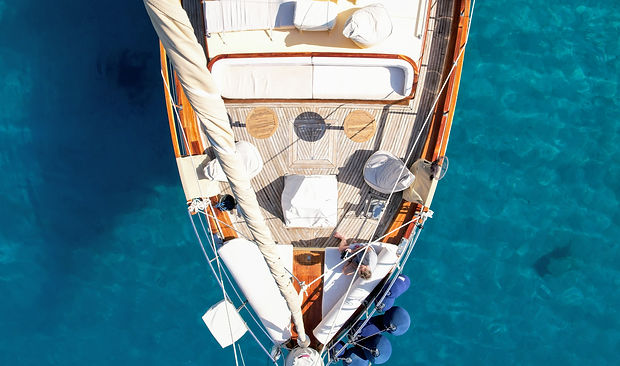 Sailing Chef Lounge Deck layout from above.JPG