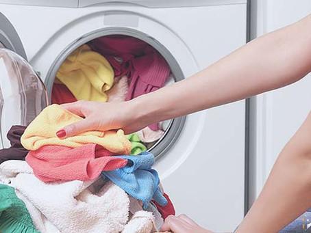 ¡Cuidado! 4 cosas que no debes meter a la lavadora