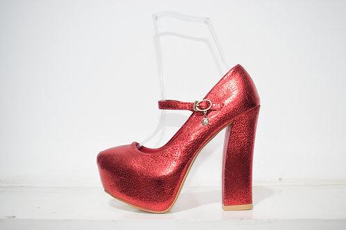 zapato rojo importado con pulsera y perla