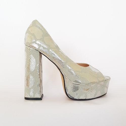 Zapato plata taco palo reptil