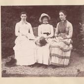 1188 Three Ladies Seated