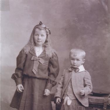 281 Helen and Duncan McLaren 1906