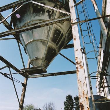 393 Tullibardine Distillery May 2002