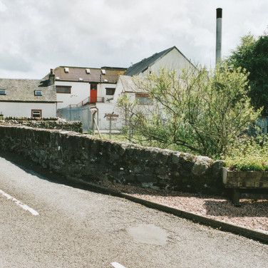 327 Tullibardine Distillery May 2002.