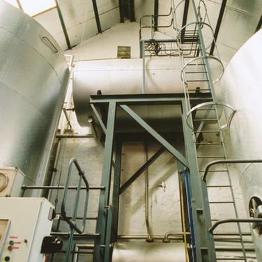346 Tullibardine Distillery May 2002