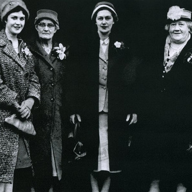 302 Edith Halliday Mrs Halliday Margaret Logan Mary Wright