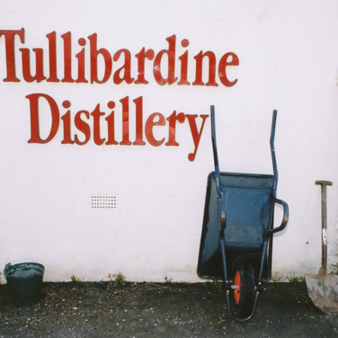 323 Tullibardine Distillery May 2002