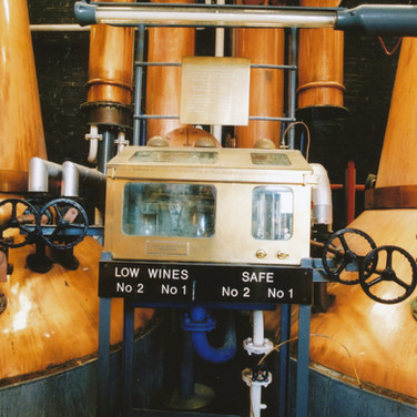 357 Tullibardine Distillery May 2002