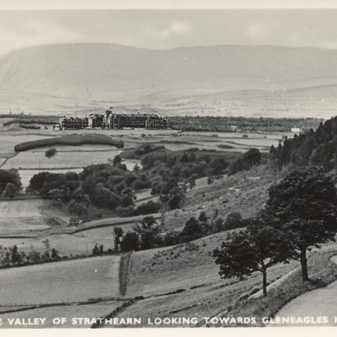 870 The Valley of Strathearn Looking Tow
