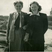 268 Mrs Kinghorn and Mrs Bell at John O Groats