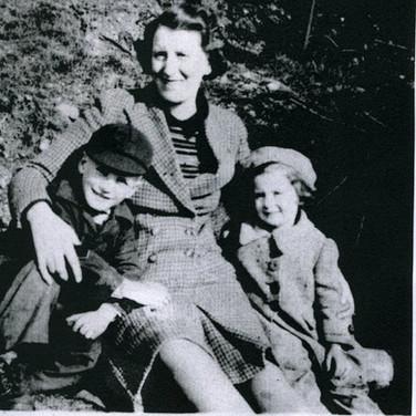 304 Mrs Halliday with Jim and Edith