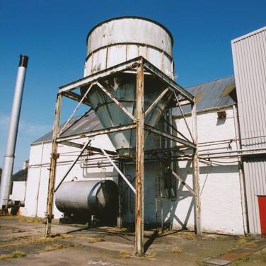 392 Tullibardine Distillery May 2002