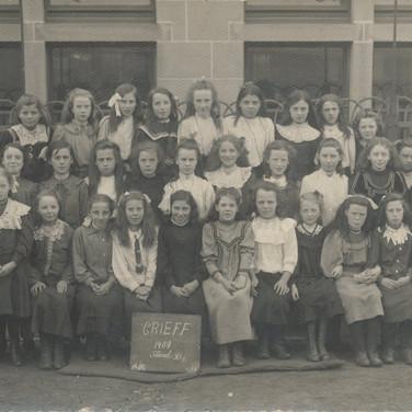 802 Crieff School 1909