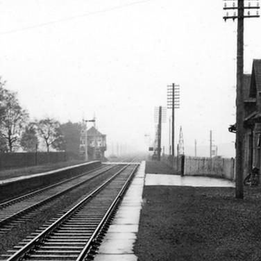 0947 Blackford Station Looking East