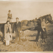 829 Family Group with Horse and Cart