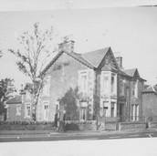 906 Bank House