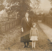 806 Woman and Child beside Hall