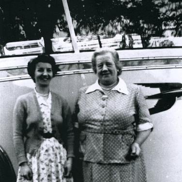 301 Edith Halliday and Mary Wright