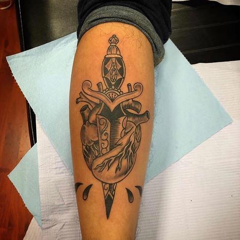 #heart & #dagger done by artist _chrisqu