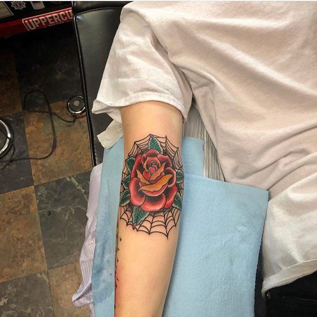 #Rosetattoo done by artist _chrisquiggle