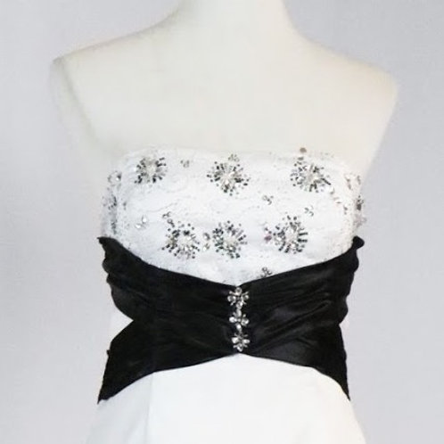 WHITE / BLACK RUCHED SKIRT