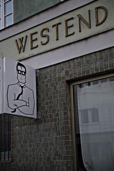 Ladenschild Westend.JPG