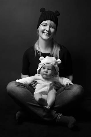 Mama + Baby mit Ohrenmütze